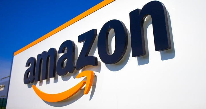 Amazon bans police use of face recognition tech indefinitely