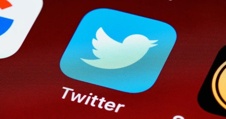 Twitter data confirms image cropping tool algorithm
