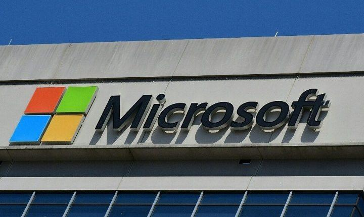 Microsoft warns thousands of cloud customers of data vulnerability